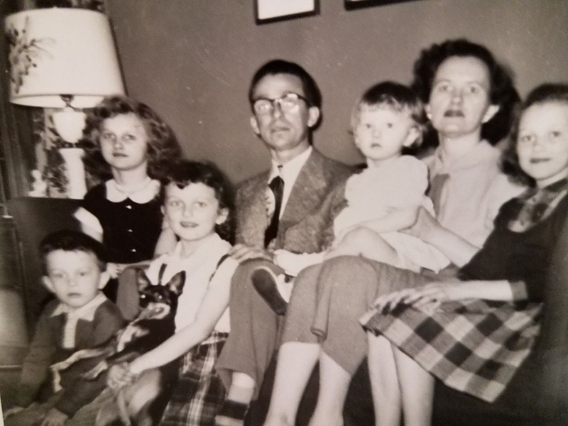 picture of my dad, my grandparents and my aunts